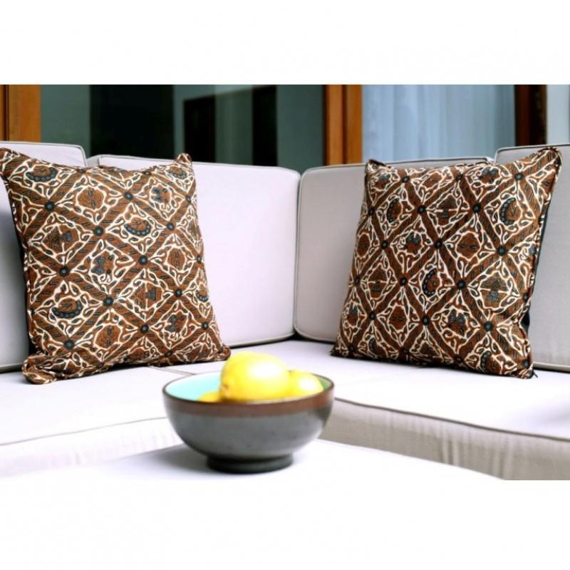 Sarung Bantal Sofa Batik Ka