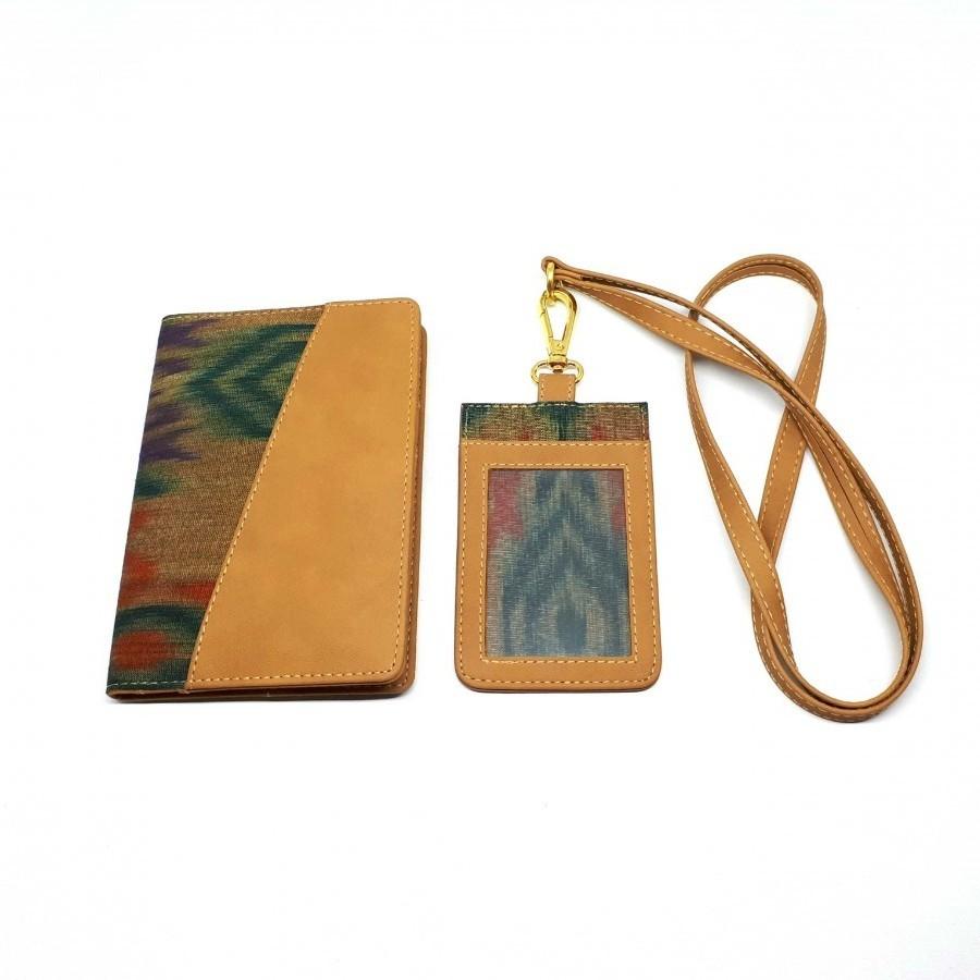 Dompet Paspor dan Nametag Tenun Ikat Maratua