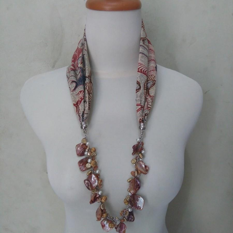 Kalung Batik Cecilia