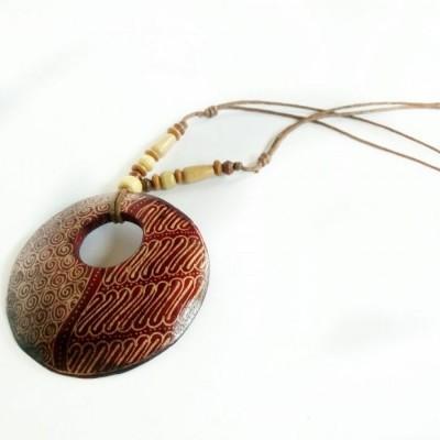 kalung-batik-kayu