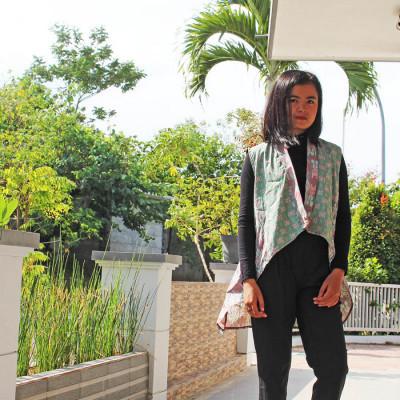 gesyal-vest-outer-tunik-layer-pendek-batik-bead-atasan-wanita