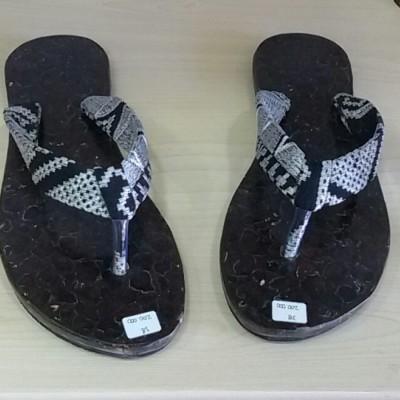 sandal-kelapa-black-silver-38