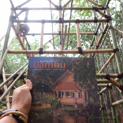 buku-rumah-bambu-arsitektur-khas-jawa-barat