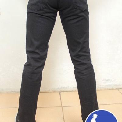 celana-jeans-pria-bahan-denim-doctor-bills