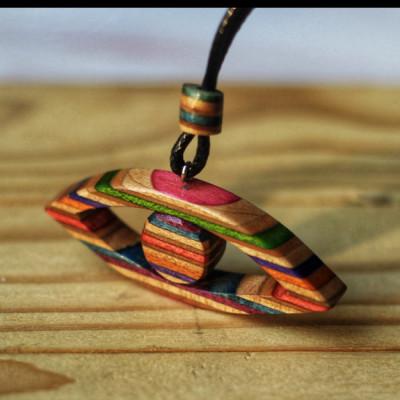 necklace-skateboard