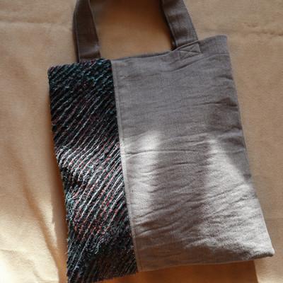 ria-s-handbag-tr-06-02
