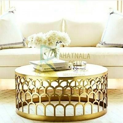 meja-kuningan