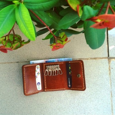 unique-trifold-dompet-warna-brown