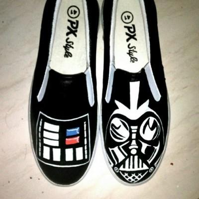 sepatu-lukis-dewasa-darth-vader-star-wars