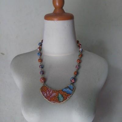 kalung-batik-saraswati