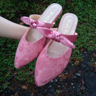 flat-shoes-pink-brokat