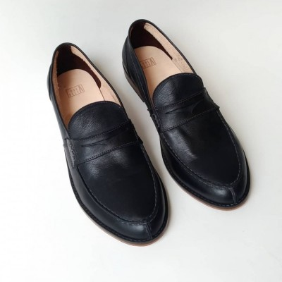 holarocka-shizen-03-black-stitchdown-loafers
