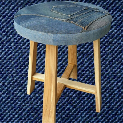denims-round-stool-with-wooden-legs
