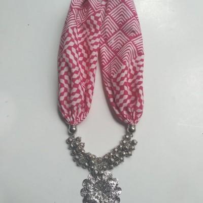 kalung-batik-gandari-pink