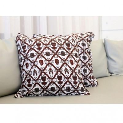 sarung-bantal-sofa-batik
