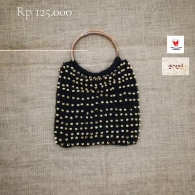 gesyal-tas-tangan-rajut-handmade-kualitas-ekspor-model-minimalis