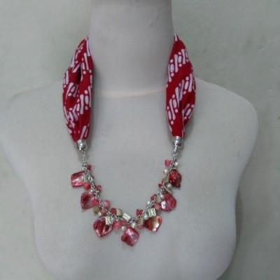 kalung-batik-cecilia-merah