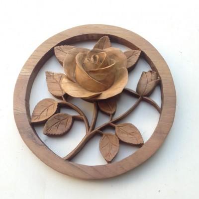 dekorasi-dinding-bunga-mawar-mungil