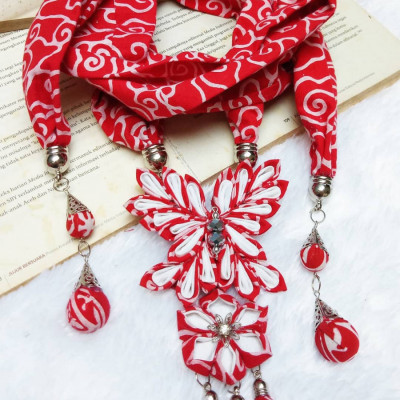 kalung-batik-scarf-butterfly-red