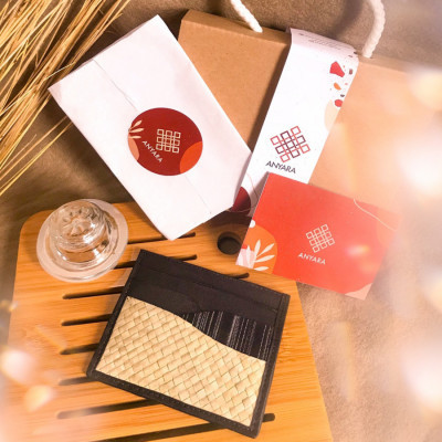 cardholder-black-mahika-by-anyara