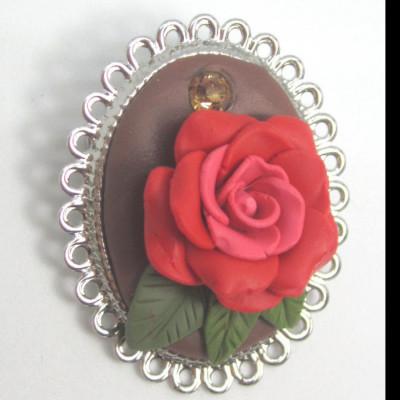 bros-bunga-mawar-merah