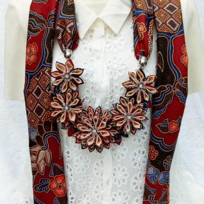 kalung-batik-scarf-lotus-tumpuk