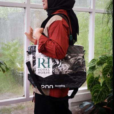 stable-sling-bag