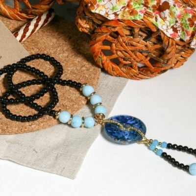 kalung-batu-bulat-biru