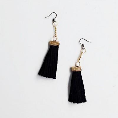 uri-earring-tassel-black