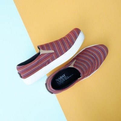 naray-slip-on-etnik-garis-01
