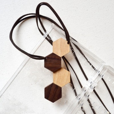 hexagon-wooden-necklace-iv