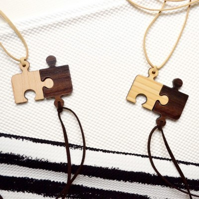 puzzle-wooden-necklace-2-in-1