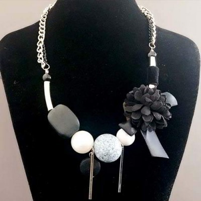 alea-necklace