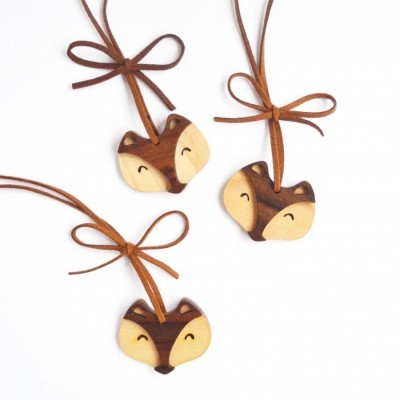 cute-wooden-necklace-fox