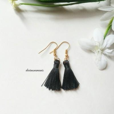 anting-tassel-mini-hitam