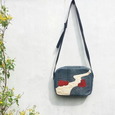 hori-lariang-barkcloth-crossbody-bag-vegan-bag-deep-indigo