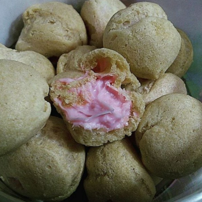 soes-kering-strawberry