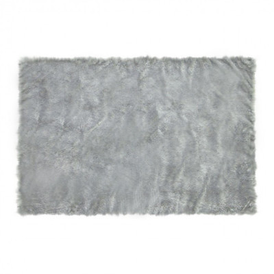 square-grey-fur-rug-300-x-150
