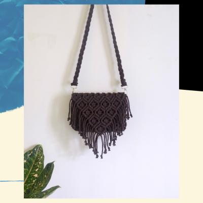 macrame-sling-bag-code-dt