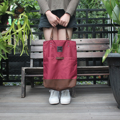 tas-tote-bag-multifungsi-johnson-arkitek-maroon
