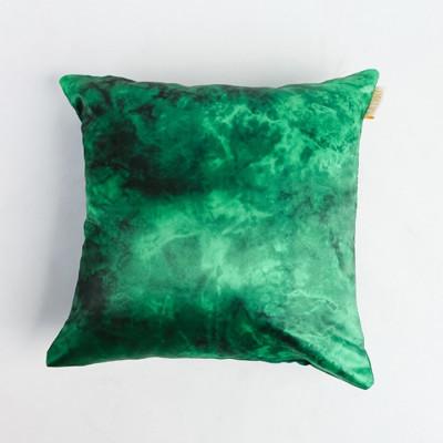 green-emerald-cushion-40-x-40