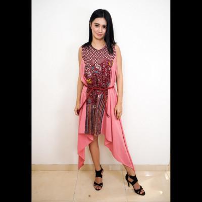 gesyal-dress-maxi-dress-dress-tanpa-lengan-dress-kondangan-dress-midi-wanita-batik-terusan