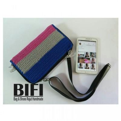dompet-rajut-moka-combi-blue-pink