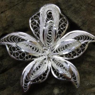 bross-perak-filigri-motif-bunga-100321