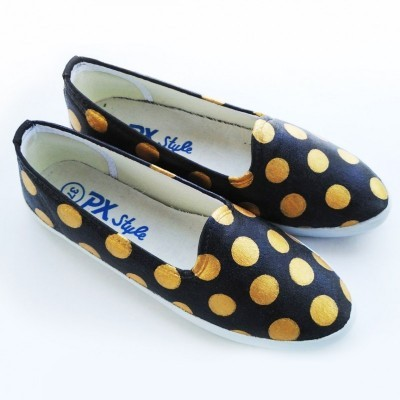 sepatu-lukis-gold-polka-in-black