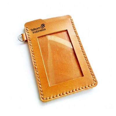 name-tag-id-kulit-asli-warna-tan-logo-telkom-plus-logo-bumn-tempat-id-card.-gantungan-id-card-