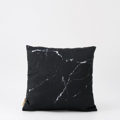 black-zircon-cushion-40-x-40