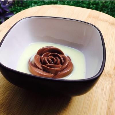 puding-coklat-dan-vanilla-sauce