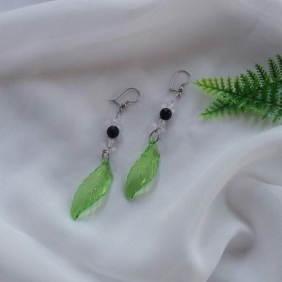 anting-mikha-daun
