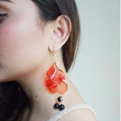 clear-sava-red-earrings